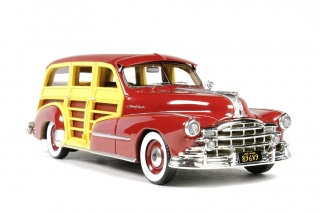 Pontiac Streamlined Woodie Station Wagon 1948 Rio red 1:43 Goldvarg Collection