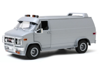 GMC Vandura Custom 1983 silver metallic 1:18 Greenlight