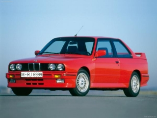 BMW M3 E30 1986 brillant red 1:8 GT Spirit