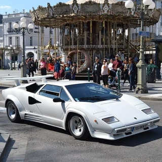 Lamborghini Countach LP5000 QV bianco polo 1:8 GT Spirit