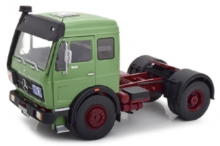 Mercedes-Benz NG 1632 Tractor Truck 1973 green/red 1:18 Road Kings