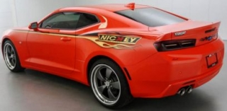 Chevy Camaro Hardtop MCACN & NICKEY 2016 hugger orange 1:18 Auto World