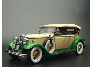 Ford Lincoln KB 1938 beige/light green 1:18 Sun Star