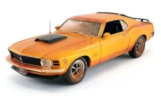 Ford Mustang Boss 429 with Car Trailer with Removable Ramps *Barn Find Boss* 1970 weathered grabber orange 1:18 Acme Diecast