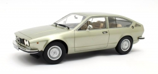 Alfa Romeo Alfetta GT 1.8 1974 green metallic 1:18 Cult Scale Models