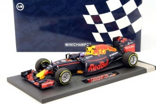 Red Bull Racing Tag Heuer RB12 Daniel Ricciardo 2016 1:18 Minichamps