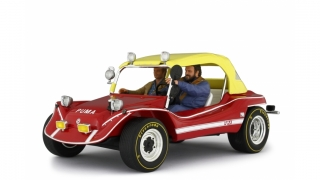 Puma Dune Buggy 1972 with Bud Spencer & Terence Hill figures 1:18 Laudoracing Model