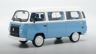 Volkswagen T2 Kombi Minibus Last Edition 1967 light blue/white1:18 DNA Collectibles