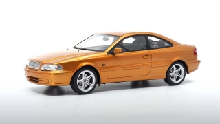Volvo C70 Coupe 1998 1:18 DNA Collectibles