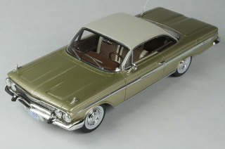 Chevrolet Impala 1961 Shadow grey 1:43 Goldvarg Collection