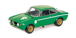 Alfa Romeo GTA 1300 Junior 1971 green 1:18 Minichamps
