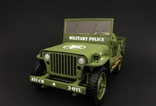 Jeep Willys *Military Police* 1944 green 1:18 American Diorama